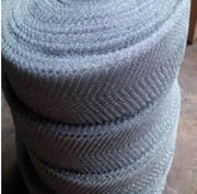 Knitted structured packing for high separation and low pressure drop